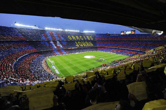 Vista del estadio Camp Nou momentos antes de comenzar el partido Barcelona contra el Real Madrid.  Foto: Reuters.