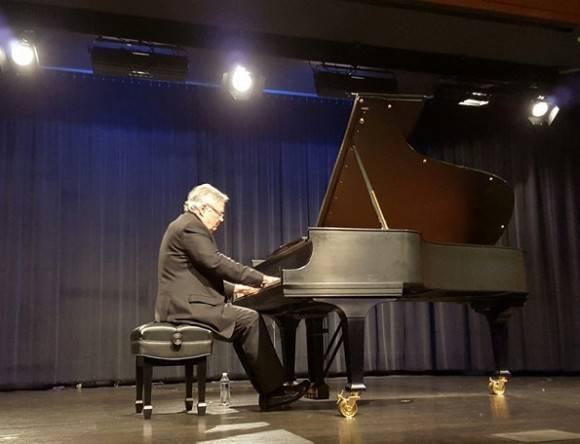 José María Vitier en los ensayos. Foto: JM Vitier/ Facebook