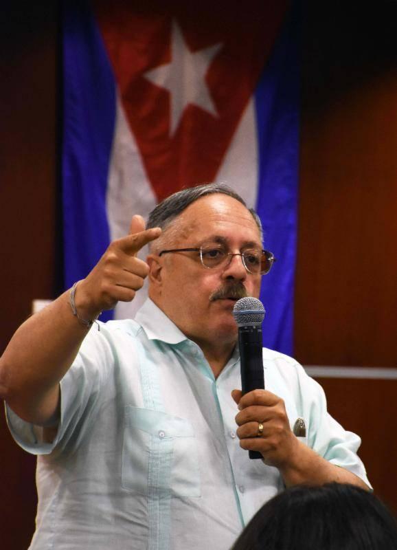Jose Pertierra.