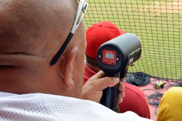 La velocidad de los lanzamientos no fue un ffactor determinante en el juego. Foto: Katheryn Felipe / Cubadebate