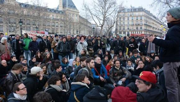 Pese a la medida de desalojo tomada por la policía, la ciudadanía francesa volvió a organizarse. Foto: TelesurTV.