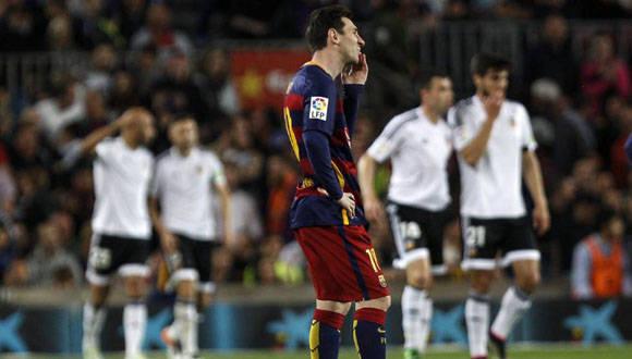 Messi llegó a su gol 500 en la Liga Española, pero no pudo evitar la caída del Barcelona. Foto:  EFE.
