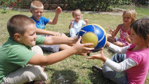 Cuba ha atendido a unos 24 mil niños afectados por el accidente nuclear de Chernóbil