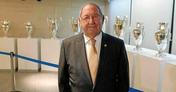 Gento es el único futbolista del mundo con seis Copas de Europa.