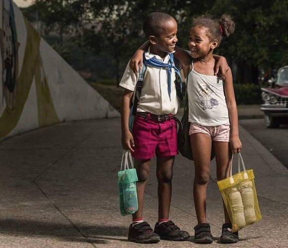 Hermanitos. Foto: Cubanos Gurú/ Facebook