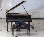Reynaldo Guanche se puso en la piel de Esteban, un niño que quiere ser pianista. Foto: Ismael Francisco/Cubadebate.