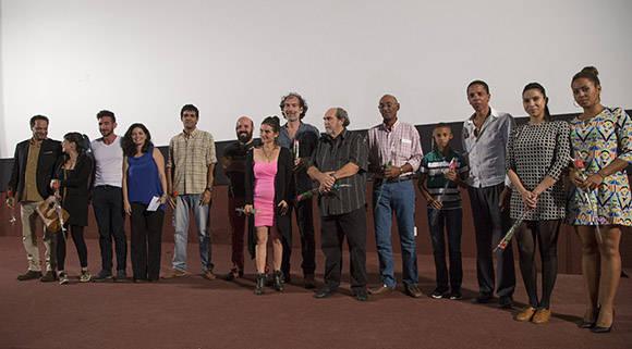 """Equipo de trabajo durante la presentación de la película """"Esteban"""" en el cine Chaplin. Foto: Ismael Francisco/Cubadebate."""