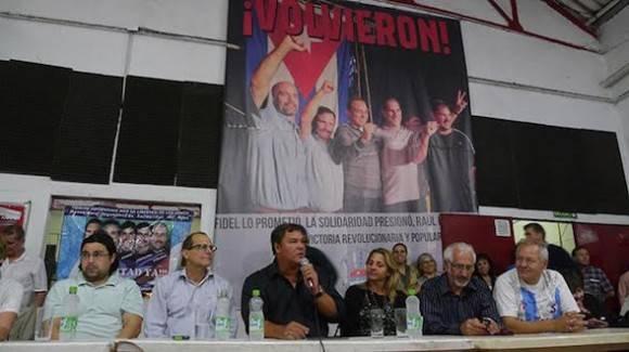 Ramón Labañino, junto a otra luchadora incansable, su compañera Elizabeth Palmeiro, visitan Argentina.