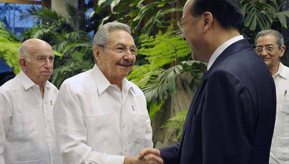 El General de Ejército Raúl Castro Ruz, Primer Secretario del Comité Central del Partido Comunista de Cuba, recibió este martes al compañero Sun Zhengcai, miembro del Buró Político del Comité Central del Partido Comunista  de China y secretario del Comité Municipal de Chongqing.