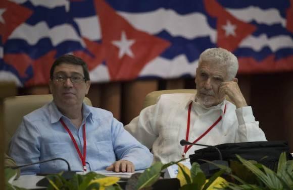 El Canciller cubano Bruno Rodríguez (izquierda) y el Comandante de la Revolución, Ramiro Valdés Menéndez. Foto: Ismael Francisco/ Cubadebate