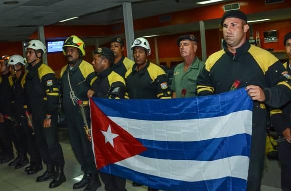 rescatistas cubanos en ecuador 4