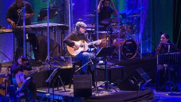 Silvio en el Coliseum de La Coruña. Foto: La Opinión