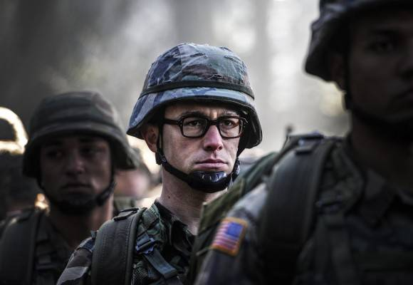 Snowden, película de Oliver Stone, captura IMDB