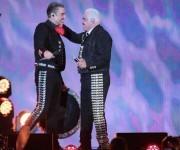 """Alejandro Fernández cantó con su padre temas como """"Paloma querida"""" y """"No volveré"""". Foto: Notimex."""