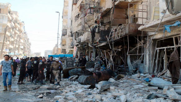 Ambos bandos (fuerzas sirias y grupos terroristas) usaron artillería pesada, como misiles, en los enfrentamientos que iniciaron este jueves. Foto: Reuters.