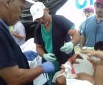La brigada de médicos cubanos, desde su llegada al Ecuador hace 45 días, han consultado  en los pueblos campesinos y de pescadores y en la instituciones de salud de las ciudades de Porto Viejo, Bahía de Caráquez, Jama y Pedernales a más de 6 mil pacientes. Foto: Dr. Enmanuel Vigil