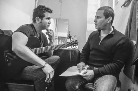 Buena Fe en Buenos Aires.En el camerino antes de salir a cantar Foto: Kaloián Santos Cabrera / Cubadebate