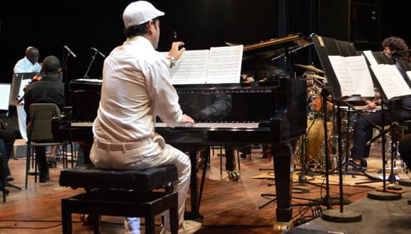 Alejandro Falcón mostró nuevamente su calidad musical. Foto: Marianela Dufflar