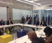 Científicos rusos explican al vicepdte cubano Miguel Díaz-Canel los objetivos del Centro Nacional ruso de Innovación tecnológica Fondo Skolkovo. Foto: Cuenta en Twitter de Rogelio Sierra, Viceministro del MINREX