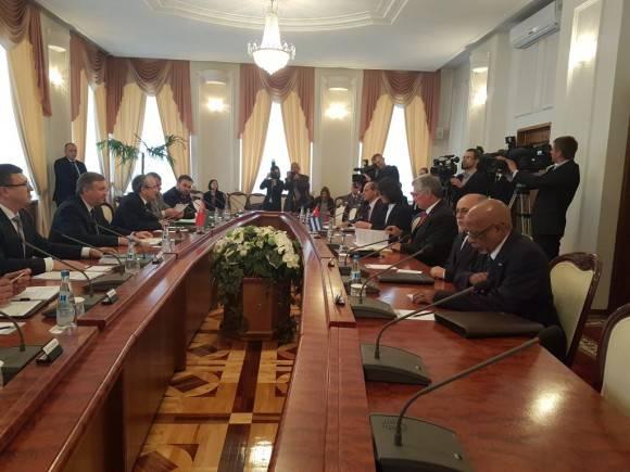 Díaz Canel con Primer Ministro de Belarús.  Foto: Cuenta en Twitter de Rogelio Sierra, VM MINREX