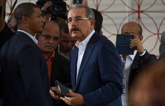 Danilo Medina, el actual presidente, encabeza el conteo. Foto: Getty.