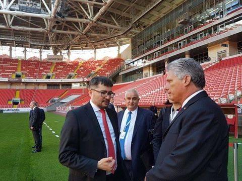 Diaz Canel recorrió el Spartak de Moscú. Foto: Cuenta de Twitter de Rogelio Sierra, Viceministro de Relaciones Exteriores.