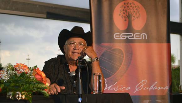 Eliades Ochoa presenta su nuevo disco en el Delirio Habanero del Teatro Nacional. Foto: Marianela Dufflar/ Cubadebate.