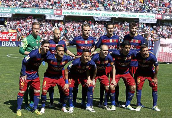 Esta fue la alineación del Barcelona para enfrentar al Granada en el partido decisivo de La Liga. Foto: Ramón Navarro/ Marca.