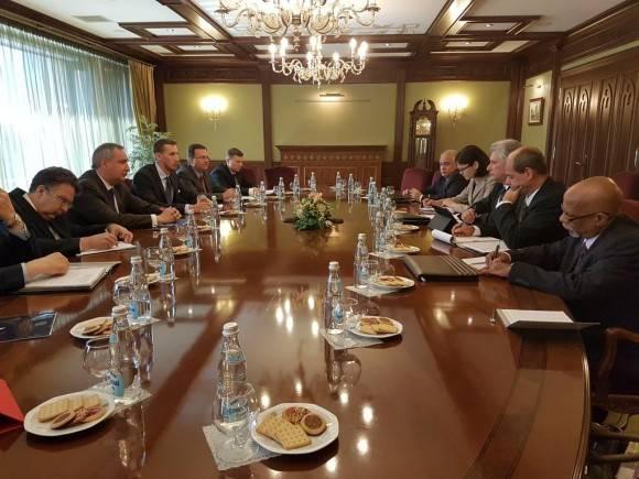 Favorable relación económica entre Rusia y Cuba. Se reúnen P. Vpdte Díaz-Canel y Viceprimer Ministro ruso Rogozin. Foto: Cuenta en Twitter de Rogelio Sierra, Viceministro de Relaciones Exteriores de Cuba