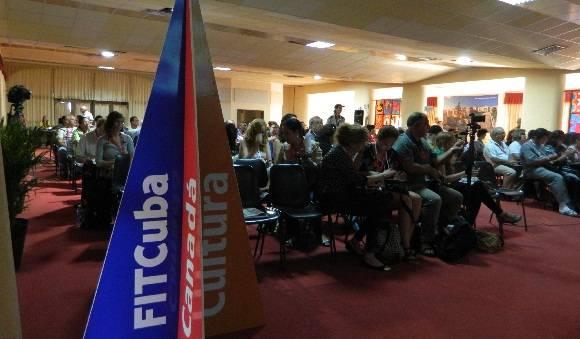 La presentaciones de los productos turísticos se hicieron en el Salón Ambrosio de La Cabaña. Foto: Susana Tesoro/ Cubadebate.