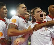 Gameiro marcó el primero de la remontada andaluza. Foto: Reuters.