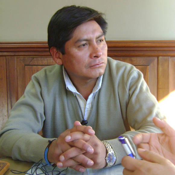 El abogado Idon Chivi (ensayista, analista, pensador aymara) es autor de varias obras acerca de la Justicia comunitaria.  Foto: Tomada de www.pieb.org (Archivo)