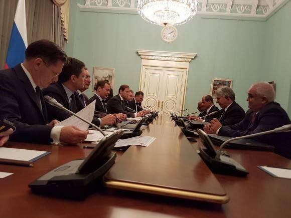 Se reúne Díaz-Canel en Moscú con el primer ministro ruso Dimitri Medvédev
