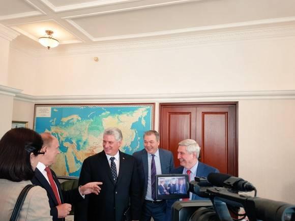 Ratifican Ziugánov y Díaz-Canel relaciones históricas entre Partidos Comunistas de Rusia y Cuba Foto: Cuenta en Twitter de Rogelio Sierra, Viceministro de Relaciones Exteriores de Cuba
