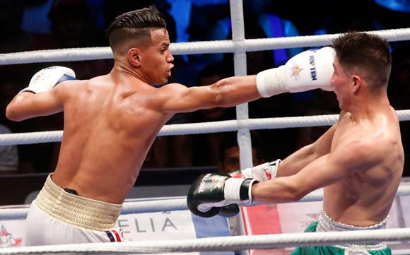 Robeisy Ramirez versus Ivan Delgado (México).  Foto: Tomada de www.youtube.com (Archivo)