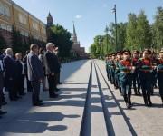 Sentimientos de emoción en homenaje de Cuba a los héroes y mártires de la Gran Guerra Patria en Moscú.  Foto: Cuenta en Twitter de Rogelio Sierra, Viceministro de Relaciones Exteriores de Cuba