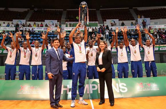 Cubains avec de l'or et le passe pour la Ligue mondiale de volleyball homme