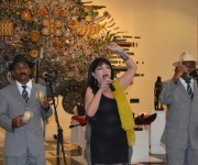 Zaida canta en la inauguración. Foto: Marianela Dufflar / Cubadebate