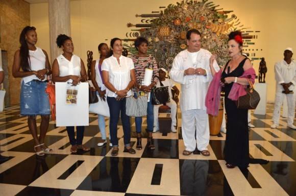 Zaida del Rio en la inaguración de la expo Foto: Marianela Dufflar / Cubadebate