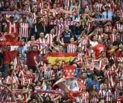 Los del Atlético también defendieron sus colores. Foto: AFP.