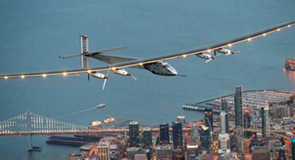 avión energía solar