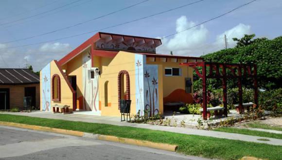 Baños públicos en  Varadero remodelados por Decorarte. Foto: Tomada de Granma