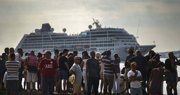 Llegada del Crucero Adonia a La Habana. Foto: Ramón Espinosa/ AP