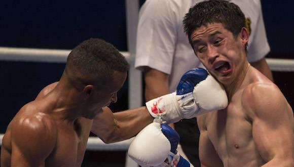 En 60 kg, Lázaro Álvarez derrotó al Uzbeko Elnur Abduraimov. Foto: Ismael Francisco/Cubadebate.