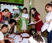 Kenia Serrano Puig (C), Presidenta del Instituto Cubano de Amistad con los Pueblos (ICAP), durante el acto en respaldo a la Presidenta Dilma Rousseff y contra el golpe de estado en Brasil, en la sede del ICAP, en La Habana, Cuba. Foto: ACN/ Omara García.