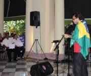 El estudiante brasileño Guillermo Wanderley, interviene durante el acto efectuado en la sede del Instituto Cubano de Amistad con los Pueblos (ICAP). Foto: ACN/Omara García.
