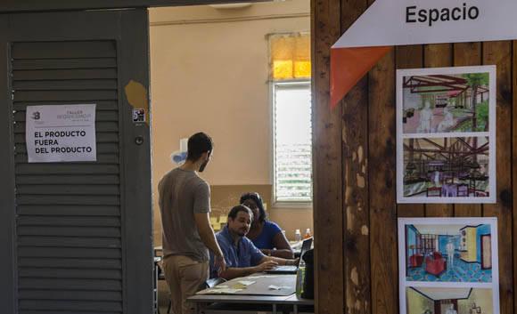 Taller El producto Fuera del Producto.  Foto: Ismael Francisco/ Cubadebate.