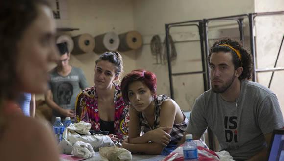 Participantes en uno de los talleres de la Bienal de Diseño de La Habana. Foto: Ismael Francisco/ Cubadebate.