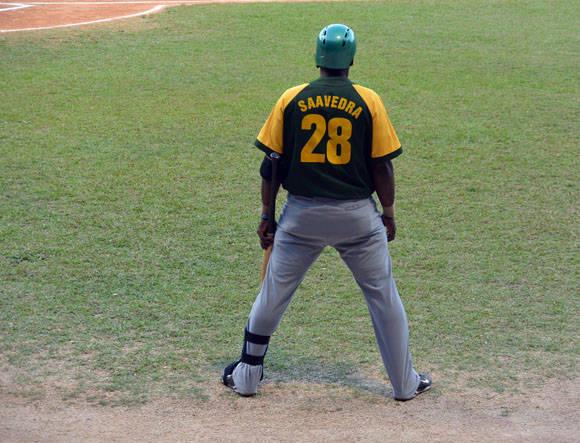 Un pelotero estudioso de los pitchers. Foto: Katheryn Felipe/Cubadebate.