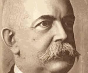 Enrique José Varona (1849-19339). En 1921 pronuncia su discurso «El imperialismo yanqui en Cuba».